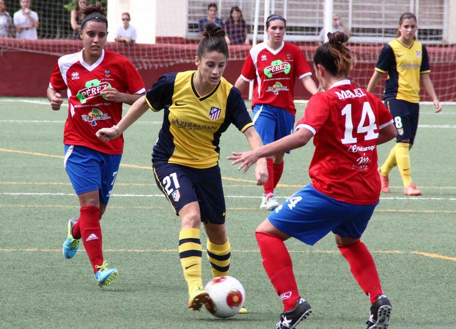 Temporada 2013-2014. Esther durante el partido ante el UD Collerense