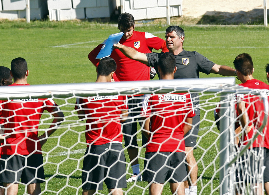 Temporada 13/14. Entrenamiento Juveniles. Roberto Fresnedoso. Juvenil Champions cup.