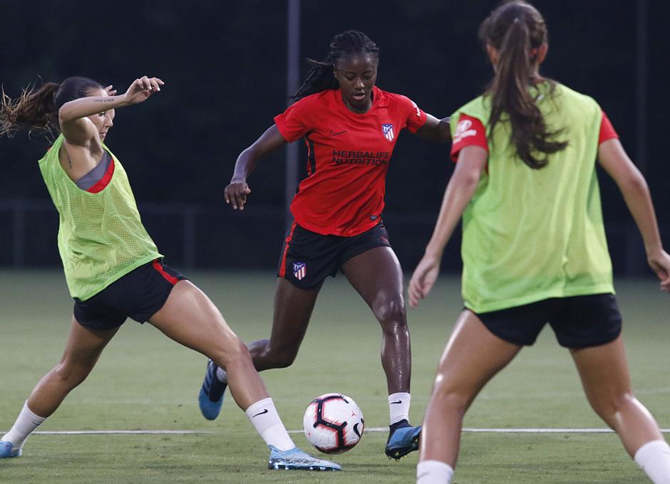 Temporada 19/20 | Entrenamiento del Atlético femenino en Raleigh | Tounkara