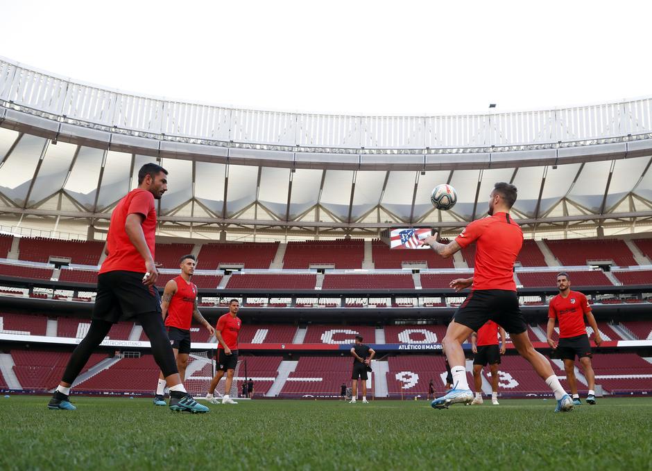 Temp. 19-20   Entrenamiento en el Wanda Metropolitano  