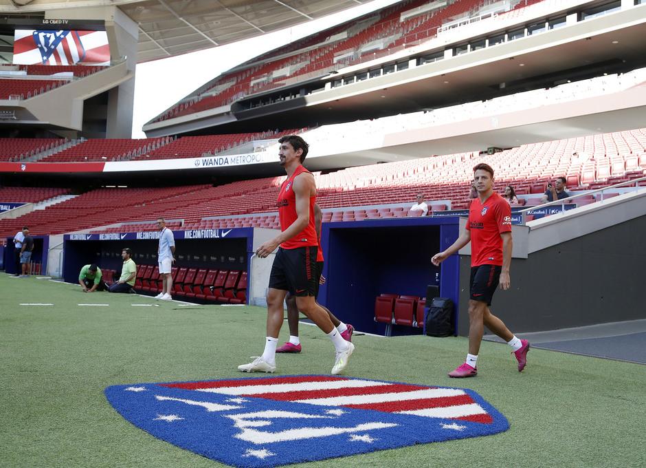 Temp. 19-20 | Entrenamiento en el Wanda Metropolitano | Savic