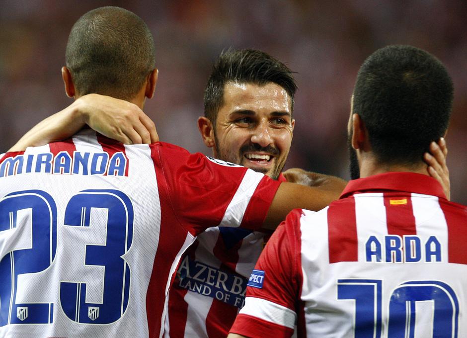 Temporada 2013/2014 Atlético de Madrid - Zenit Miranda, Arda Turan y David Villa celebrando el gol