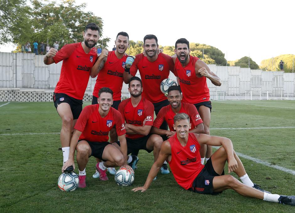 Entrenamiento en la Ciudad deportiva Wanda Atlético de Madrid 04-09-2019. Foto de grupo.