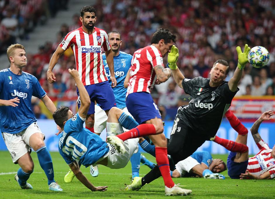 Temp. 19-20   Atlético de Madrid - Juventus   Savic