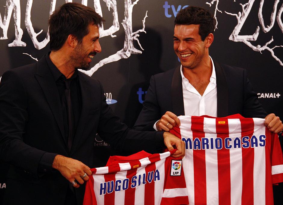 Temporada 13/14. Premiere de la película producida por Cerezo. Mario Casas y Hugo Silva con la camiseta del Atlético