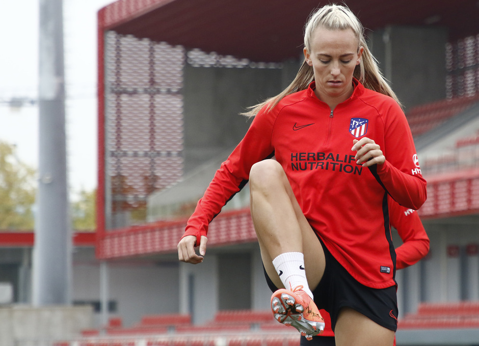 Temporada 19/20 | Atlético de Madrid Femenino | Entrenamiento en el Centro Deportivo Wanda Alcalá de Henares previo al partido de Women's Champions League | Toni Duggan