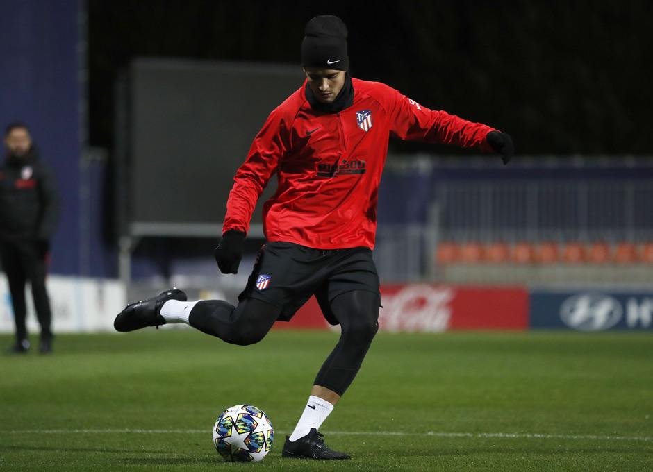 Entrenamiento en la Ciudad deportiva Wanda Atlético de Madrid 04-11-2019. Morata.