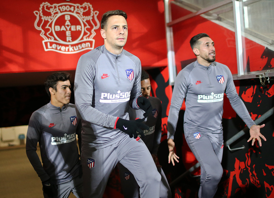 Temp. 19-20 | Entrenamiento en Leverkusen | Arias