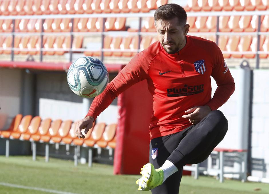Temporada 19/20 | Entrenamiento del primer equipo en la Ciudad Deportiva Wanda | Héctor Herrera