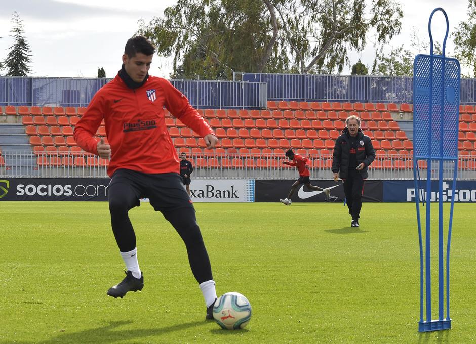 Temp. 19-20 | entrenamiento primer equipo 09/11/2019. Morata