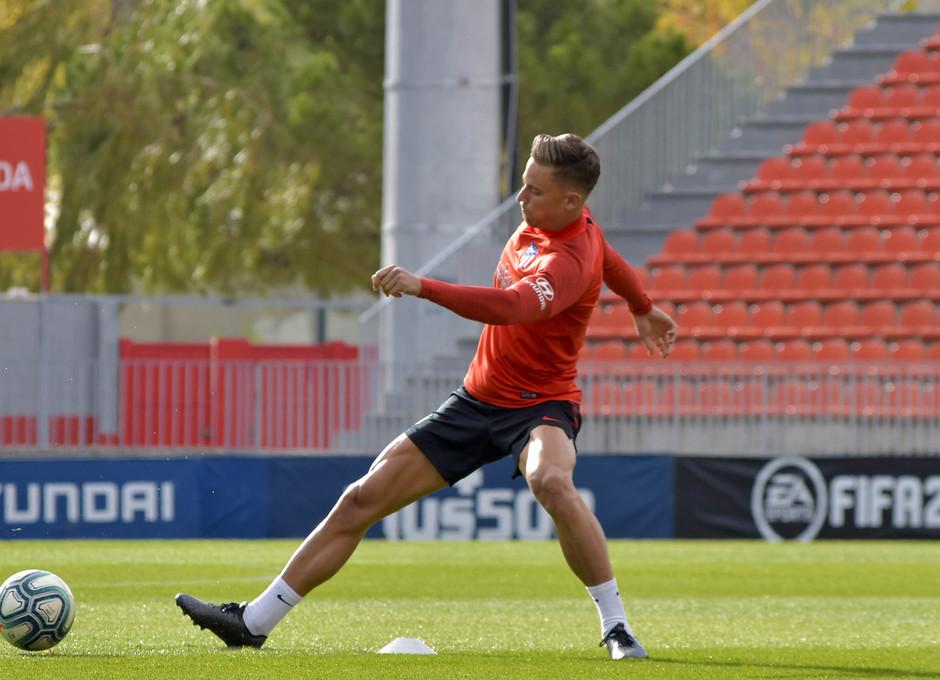 Temp. 19-20 | entrenamiento primer equipo 09/11/2019. Llorente