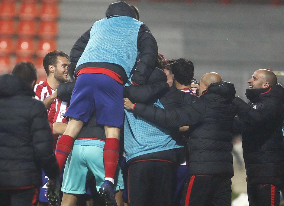 Temp. 2019-20 | Atlético de Madrid B - Castilla | Piña celebración 2