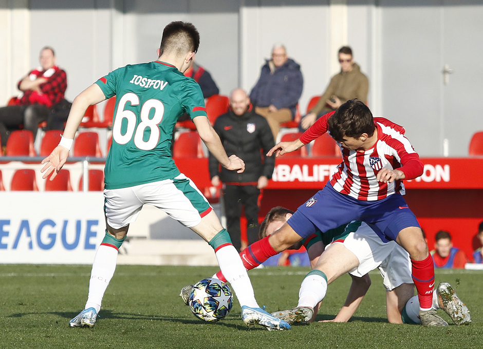 Temporada 19/20. Youth League. Atlético de Madrid Juvenil A - Lokomotiv. Ferreras
