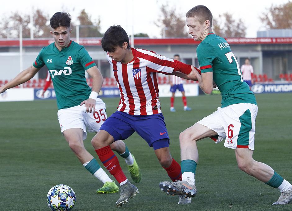 Temporada 19/20. Youth League. Atlético de Madrid Juvenil A - Lokomotiv. Ferreras