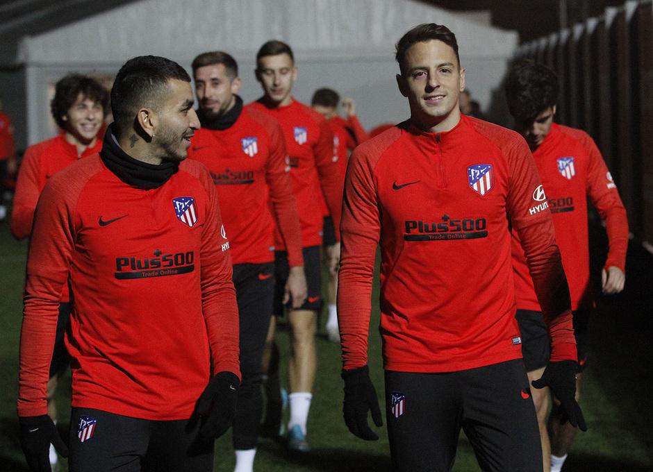Temporada 19/20 | 06/01/2020 | Entrenamiento del primer equipo en la Ciudad Deportiva Wanda | Arias