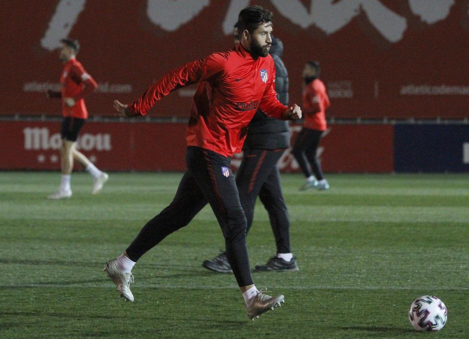 Temporada 19/20 | 06/01/2020 | Entrenamiento del primer equipo en la Ciudad Deportiva Wanda | Felipe