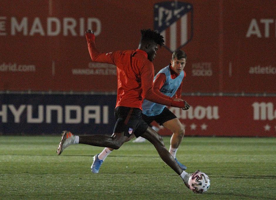 Temporada 19/20 | 06/01/2020 | Entrenamiento del primer equipo en la Ciudad Deportiva Wanda | Thomas