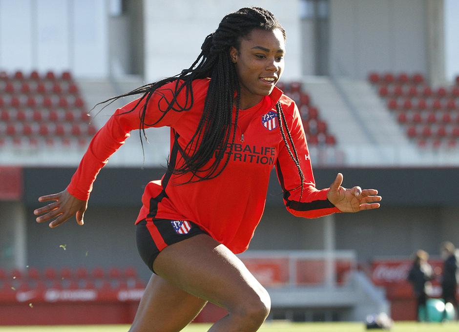 Temporada 19/20 | Entrenamiento del femenino en el Centro Deportivo Wanda Alcalá de Henares | Ludmila