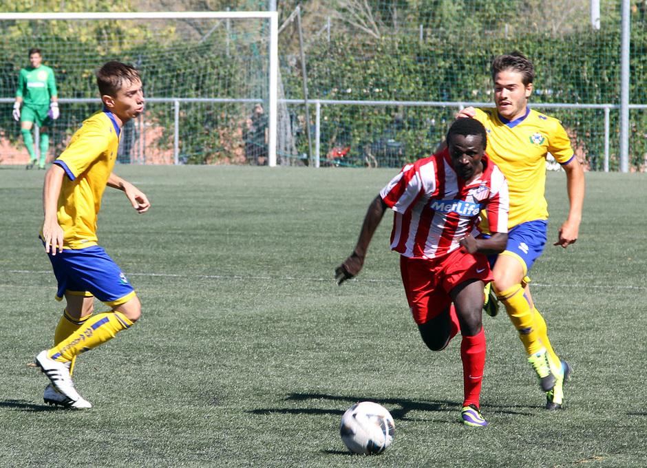 Temporada 13/14. Partido Alcorcón B Atlético C. Jugada