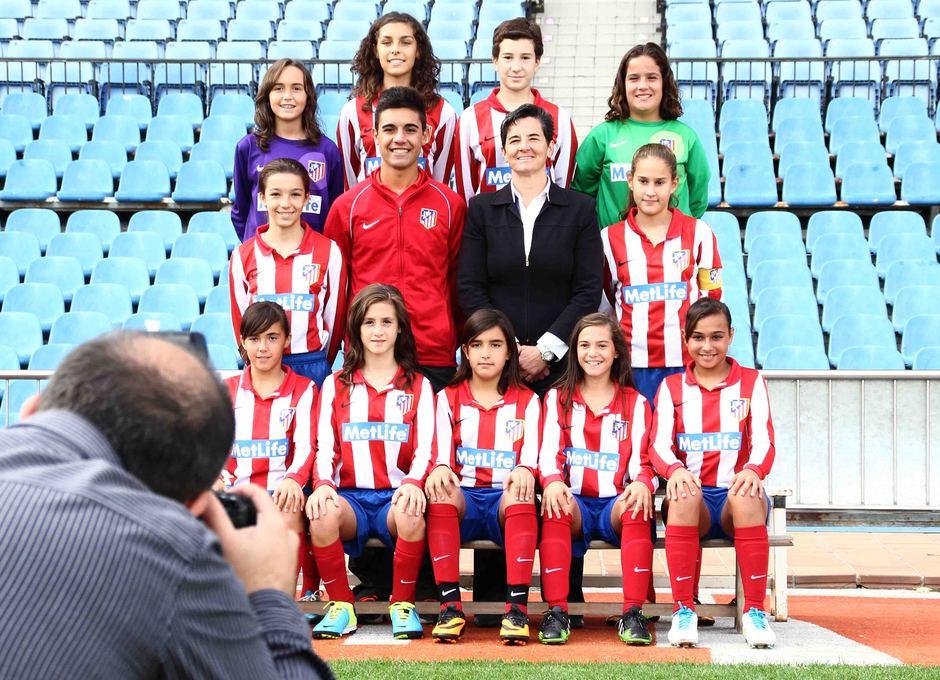 """Temporada 2013-2014. El Sub-13 """"C"""" posa durante la foto oficial"""