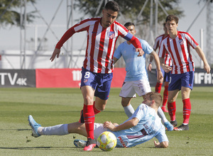 Temporada 19/20   Atlético B - Pontevedra   Toni Moya
