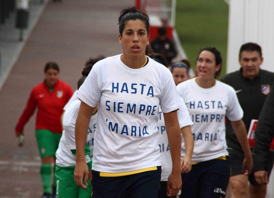Temporada 2013-2014. Las jugadoras saltaron con camisetas en memoria de María de Villota