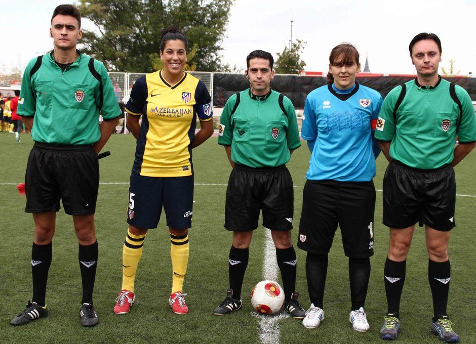 Temporada 2013-2014. Capitanas del Rayo y Atleti con el trío arbitral
