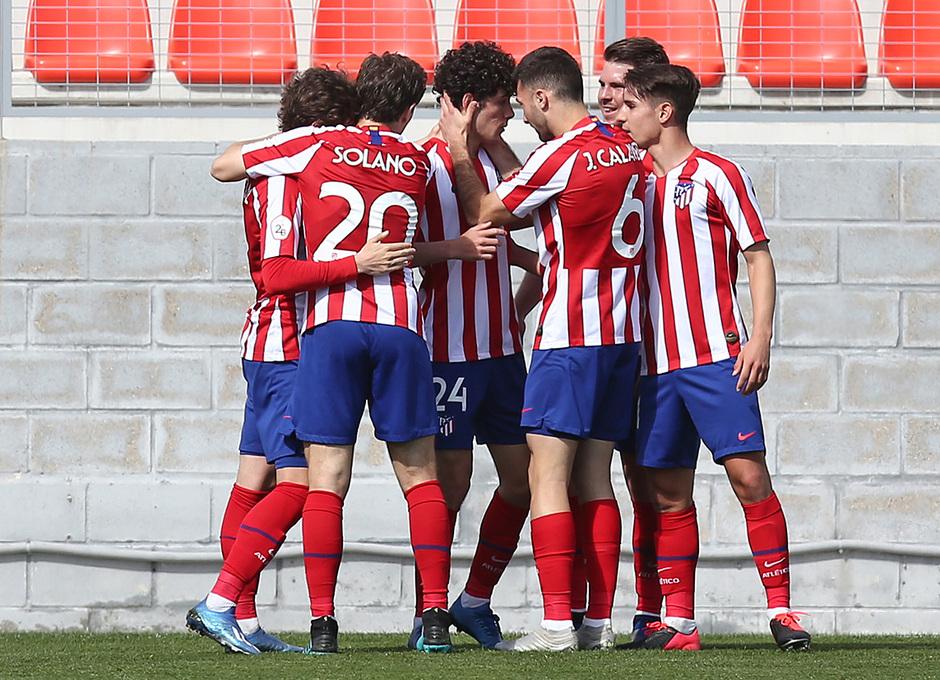 Temp 19/20 | Atlético de Madrid B - Racing Ferrol | Piña celebración 3