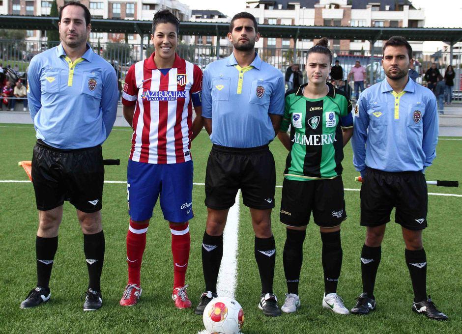 Temporada 2013-2014. Capitanas del Atleti y Oviedo con el trío arbitral