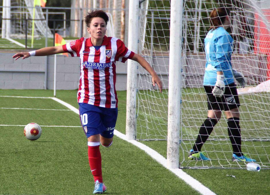 Temporada 2013-2014. Amanda celebra el primer gol ante el Oviedo