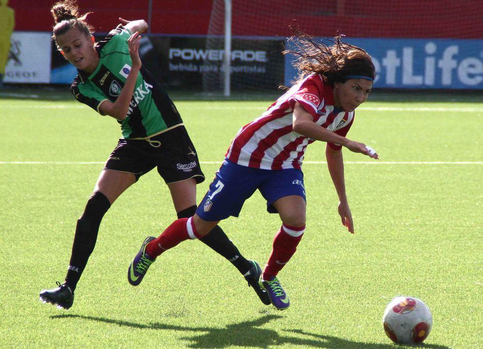 Temporada 2013-2014. Ana Borges gana en velocidad a la jugadora del Oviedo