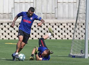 Temporada 19/20 | Entrenamiento primer equipo | Correa y Oblak