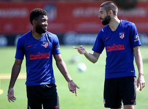 Temporada 19/20 | Entrenamiento primer equipo | Lemar y Carrasco