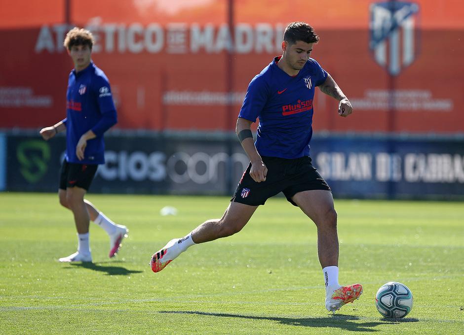 Temporada 2019/20 | Entrenamiento lunes | Morata balón