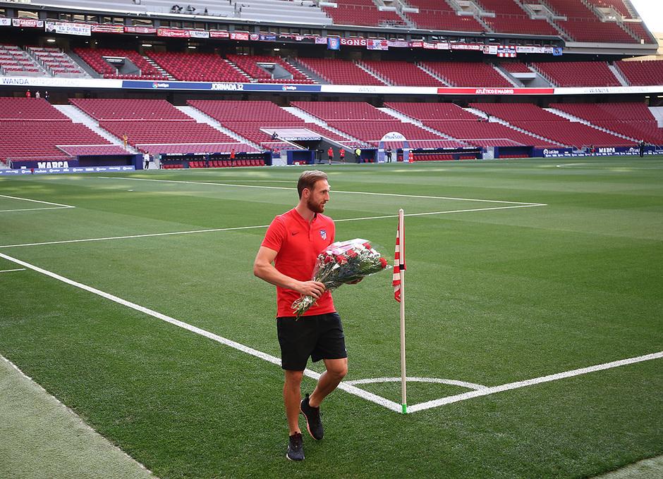 Temp. 19-20 | Atlético de Madrid - Alavés | Ramo de flores Margarita | Oblak