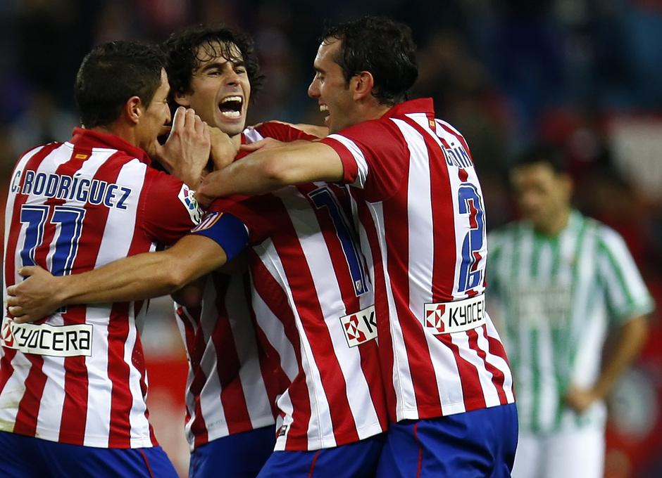 Temporada 13/14. Partido Atlético de Madrid-Betis. Tiago y Godín celebrando el gol
