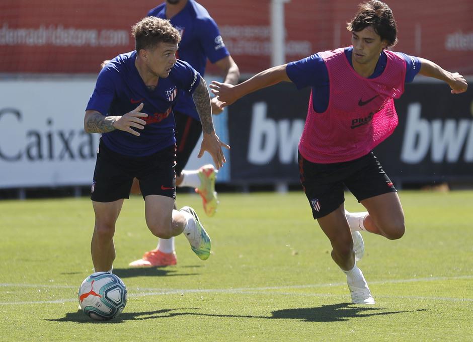 Entrenamiento 17/07/2020. Ciudad Deportiva Wanda. Trippier y João Félix