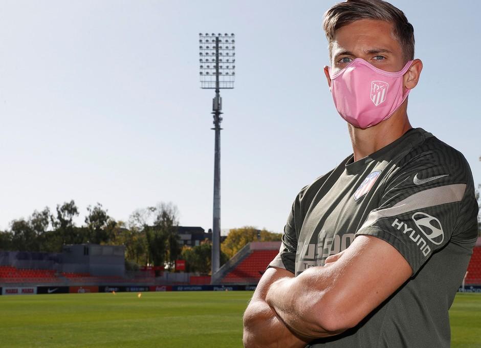 Temp. 20-21 | Mascarillas rosas día internacional cáncer de mama | Marcos Llorente