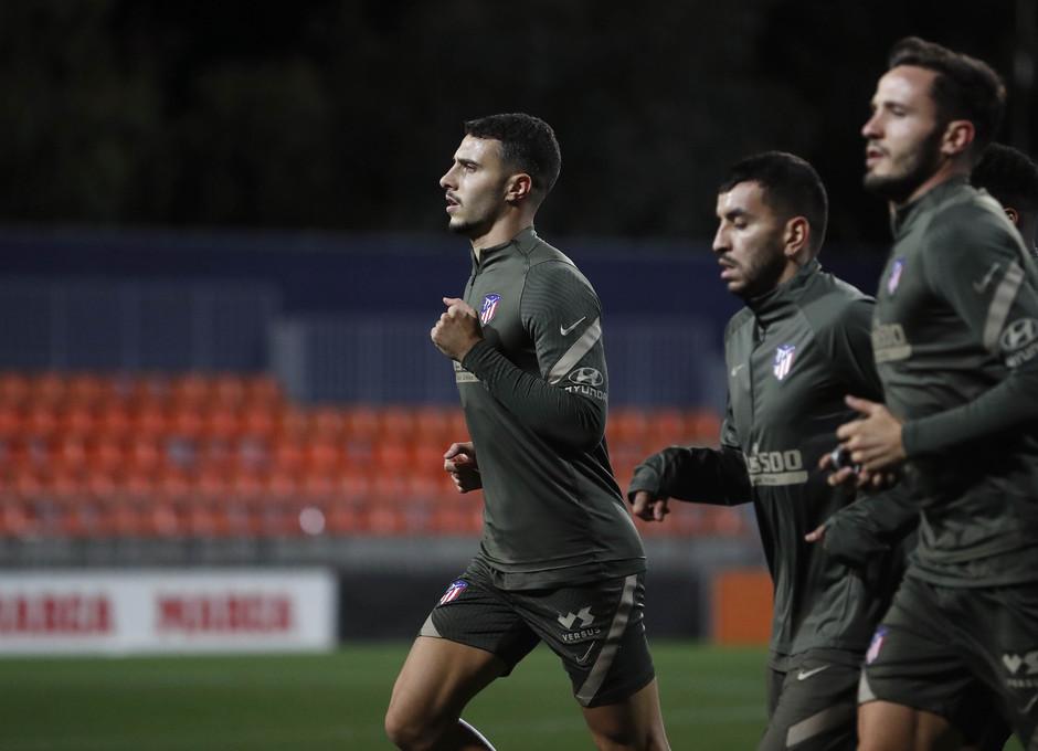 Temporada 20/21   Entrenamiento   Hermoso, Correa y Saúl