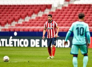 Temp. 20-21 | Atleti - Levante | Lanzamiento de falta Suárez