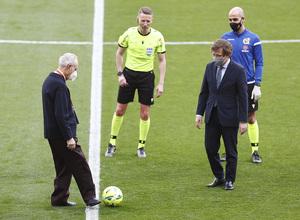 Temp. 2020/21   Atleti - Real Madrid   Saque de honor