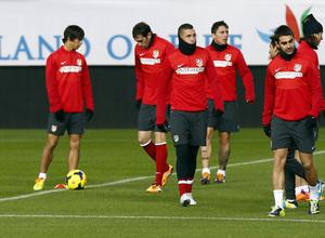 temporada 13/14 entrenamiento en el estadio Vicente Calderón. uruguayos en el entrenamiento