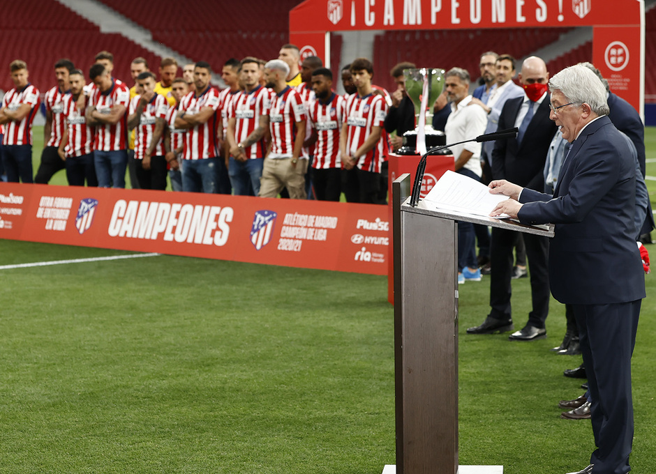 Temp. 20-21 | Celebración título LaLiga Wanda Metropolitano | Atlético de Madrid | Campeones | Enrique Cerezo