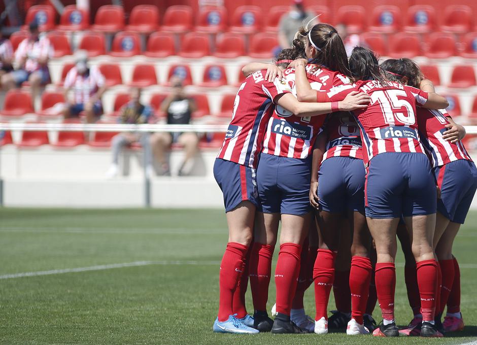 Temp. 20-21 | Atlético de Madrid Femenino - Levante | Celebración piña