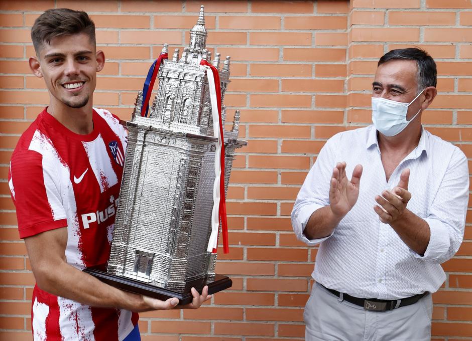 Montero recibió el trofeo Memorial Jesús Gil y Gil