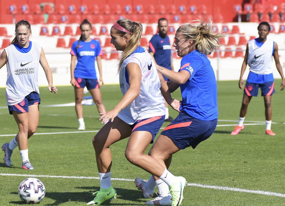 Temp. 21-22 | Entrenamiento Atlético de Madrid Femenino | Deyna Castellanos