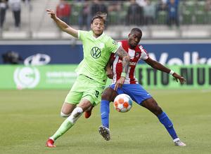 Temp 21/22   Wolfsburg - Atlético de Madrid   Kondogbia