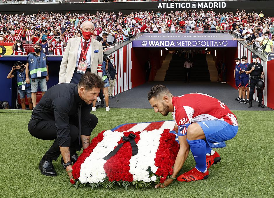 Temp 21/22 | Atlético de Madrid - Elche | Homenaje | Koke y Simeone