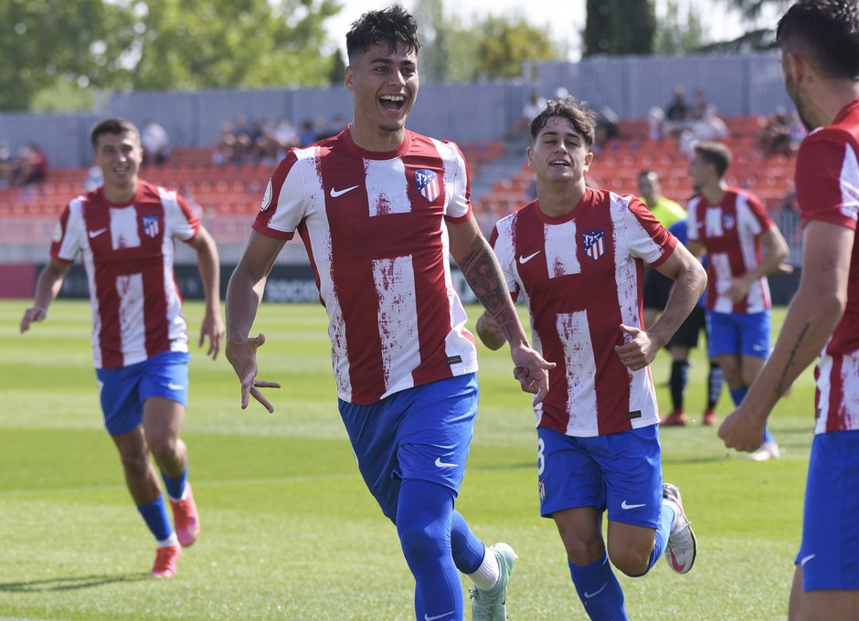 Temp. 21-22 | Atlético de Madrid B - AD Parla | Celebración Carlos