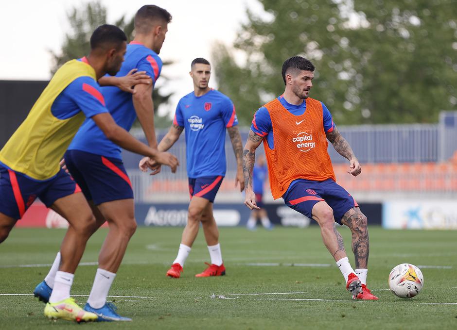 Temp. 21-22   Entrenamiento Atlético de Madrid   De Paul